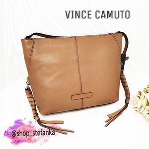 🎁 Vince Camuto Leather Crossbody Bag 💫